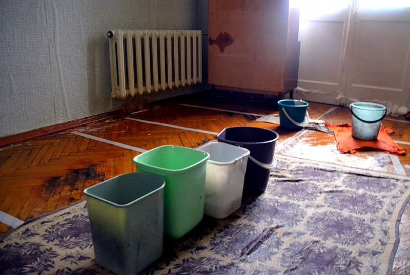 соседи затопили квартиру горячей водой