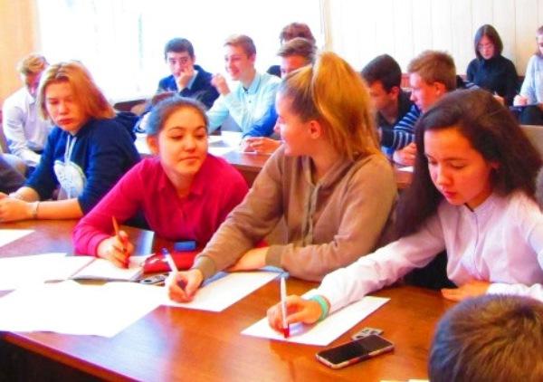 От генерации идеи — до прибыли: старшеклассников учили бизнесу